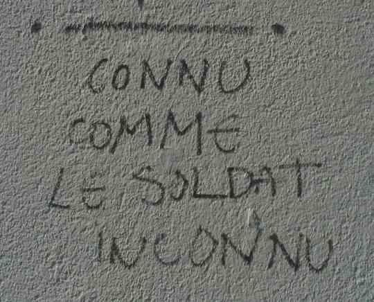 Photo lavieenrouge. Graffiti au Pouliguen près de La Baule.