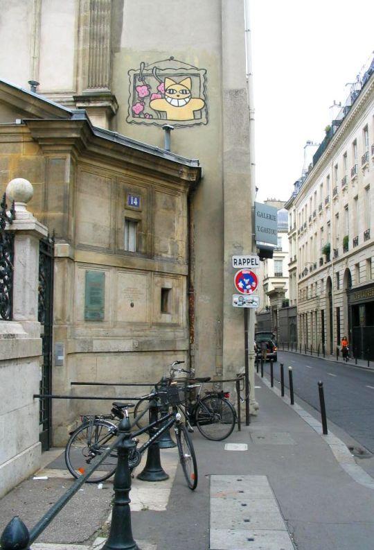 Photo lavieenrouge. Graf de Monsieur Le Chat. Rue Bonaparte. Paris.