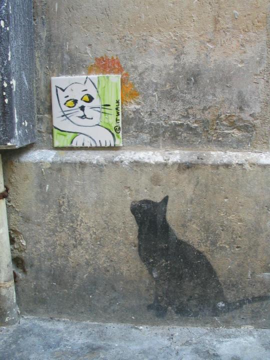Photo lavieenrouge. Graffiti quartier rue des Rosiers. Paris 4