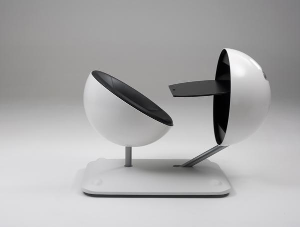 globus chaise et bureau futuriste lavieenrouge. Black Bedroom Furniture Sets. Home Design Ideas
