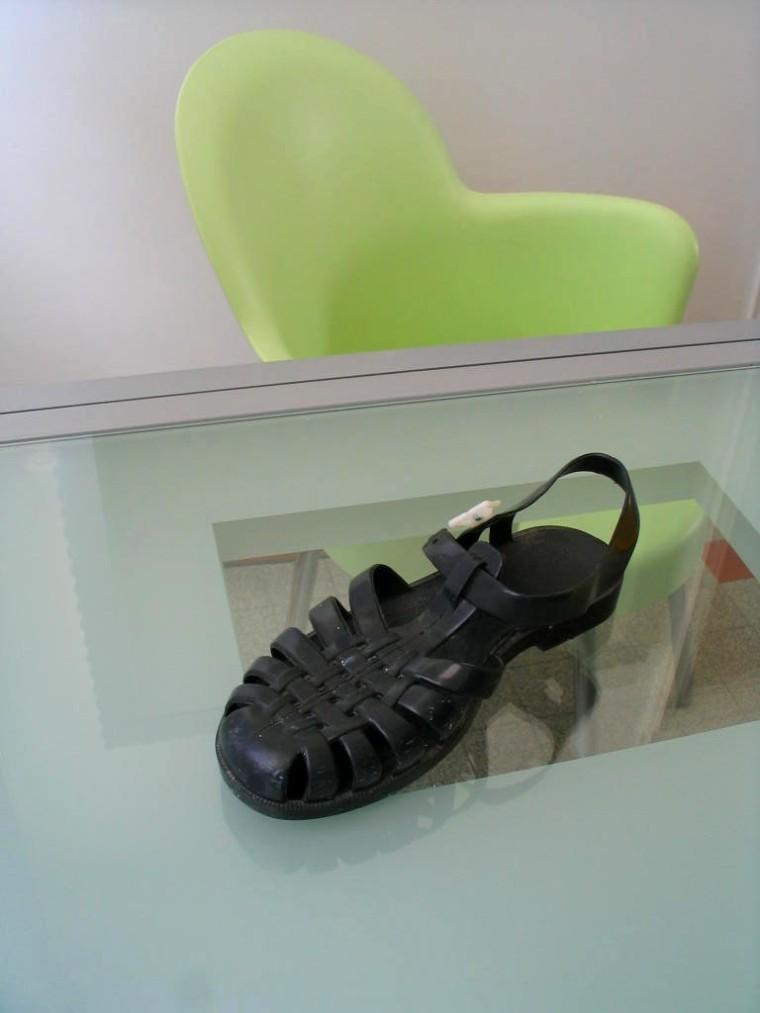 chaussure en plastique c est quoi une m duse lavieenrouge. Black Bedroom Furniture Sets. Home Design Ideas