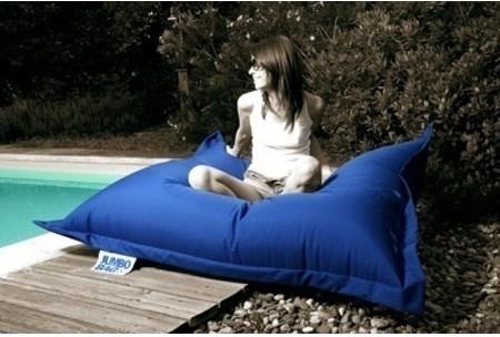 Pouf design outdoor pour bronzer pr s de la piscine ou - Pouf piscine waterproof ...