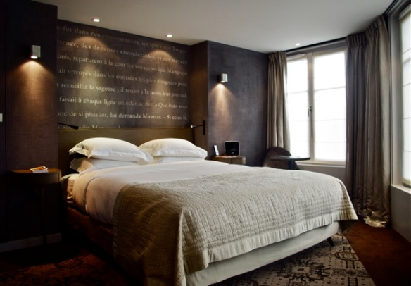 ma nuit l h tel le pavillon des lettres un h tel. Black Bedroom Furniture Sets. Home Design Ideas