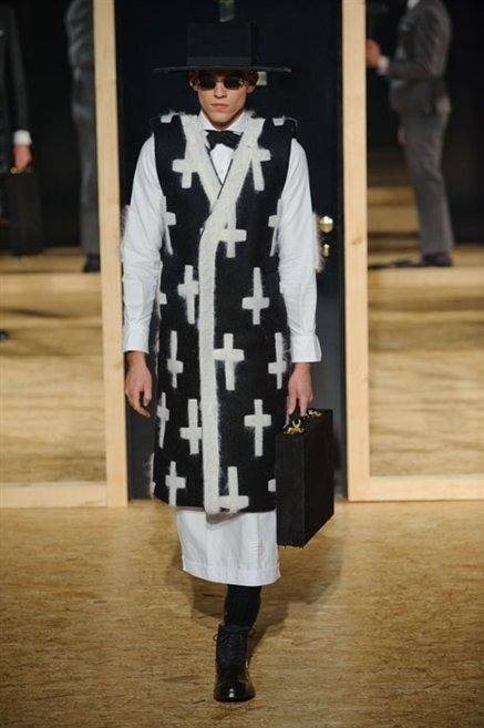 512759_photo-34-defile-thom-browne-automne-hiver-2013-2014