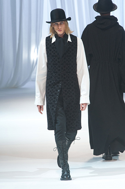 defile_homme_ann_demeulemeester_automne-hiver2013-2014_06