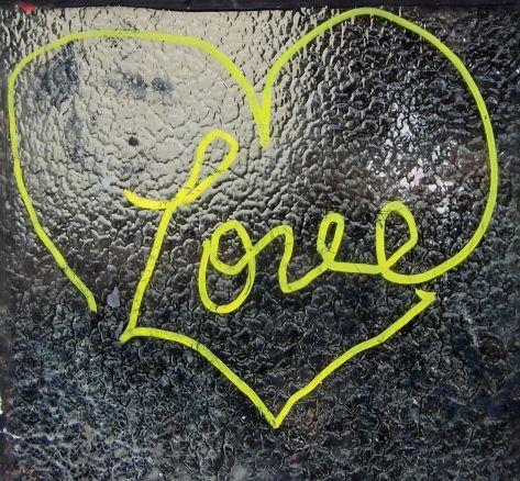 graffiti rue amelot  A paris