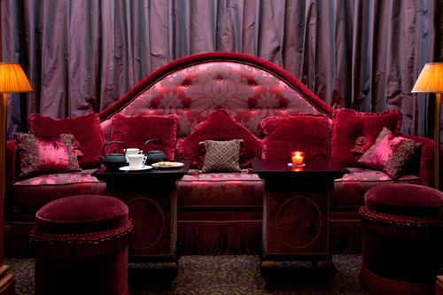 article-athenee-red-bar-sofa