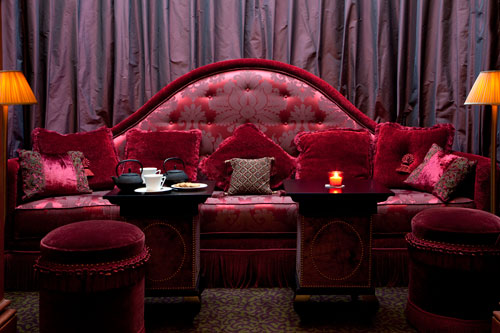 article-athenee-red-bar-sofa