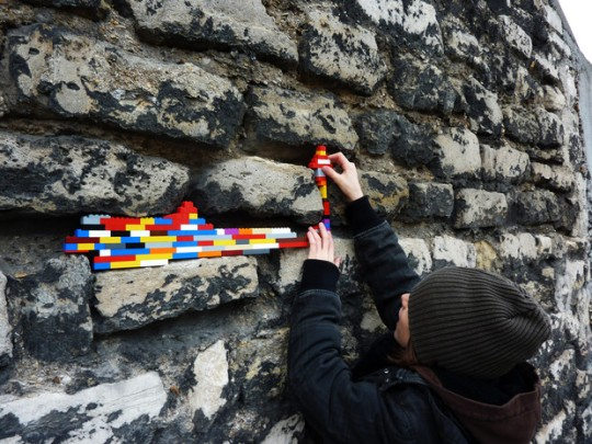 LEGO ET STREET ART;