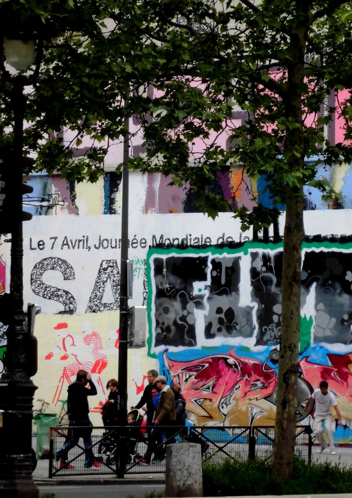 les canaux de Paris graffiti