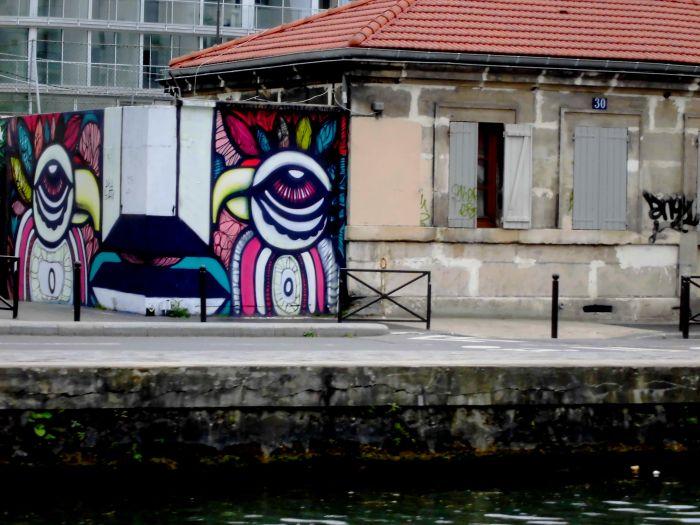 les canaux de Paris et les graffitis