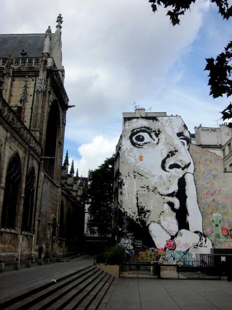 graffiti près du Centre Georges Pompidou. 5jpg