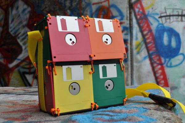 recyled-Floppy-Disk-Bags-by-Roxanne-Gibson.jpg.