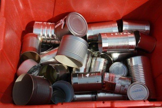 vieilles boites de conserves.j&pg