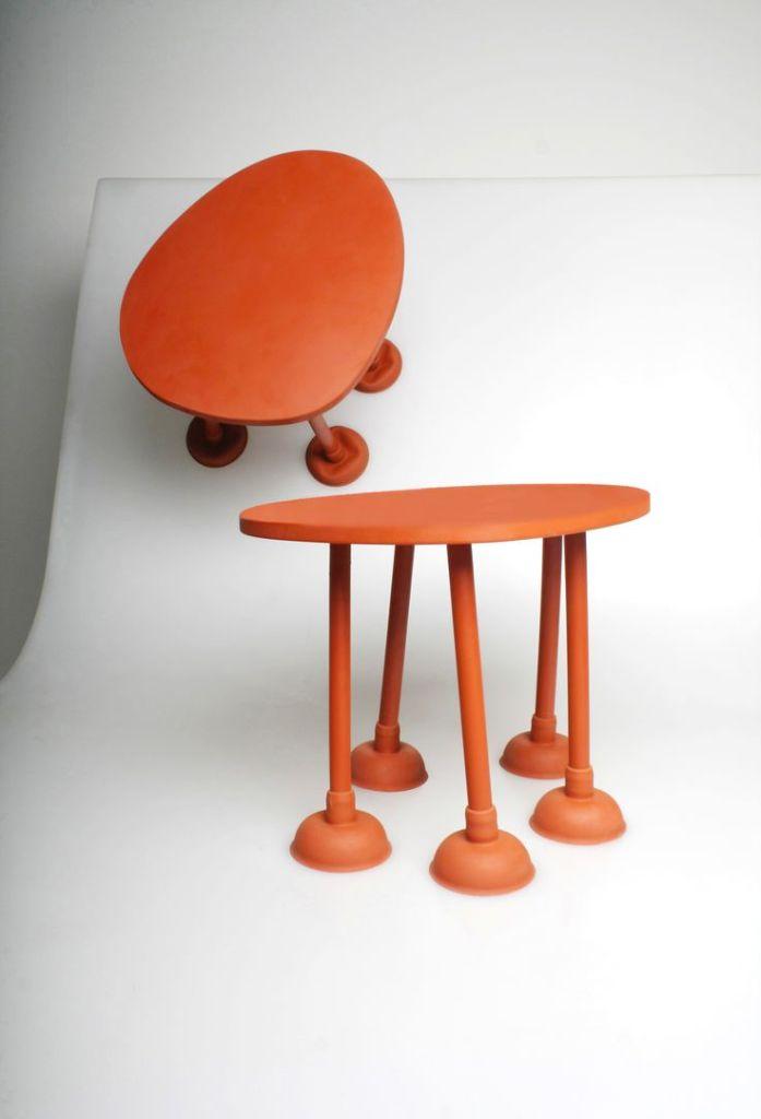 TABLE PIEDS VENTOUSE