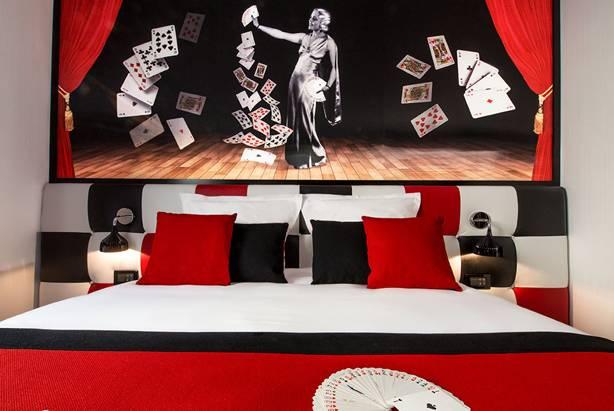 chambre carte à jouer red hôtel splendor