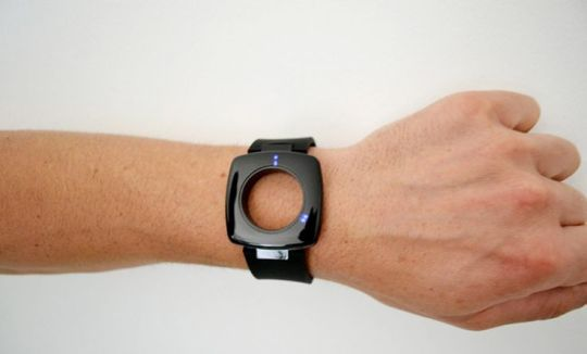 dial-less watch by yesign studio