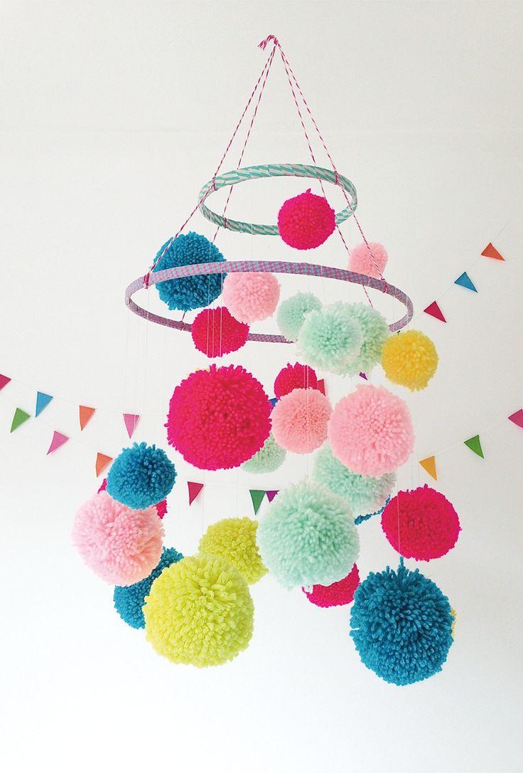 Que faire avec des pompons lavieenrouge - Quoi faire avec des pompons ...