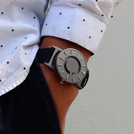 The Bradley tactile timepiece