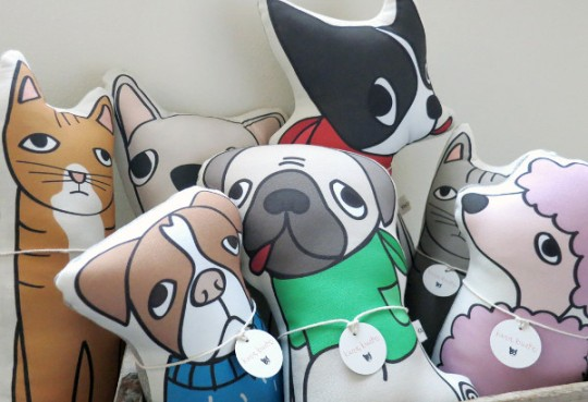 custom_pet_pillow_Kara_Burke_01