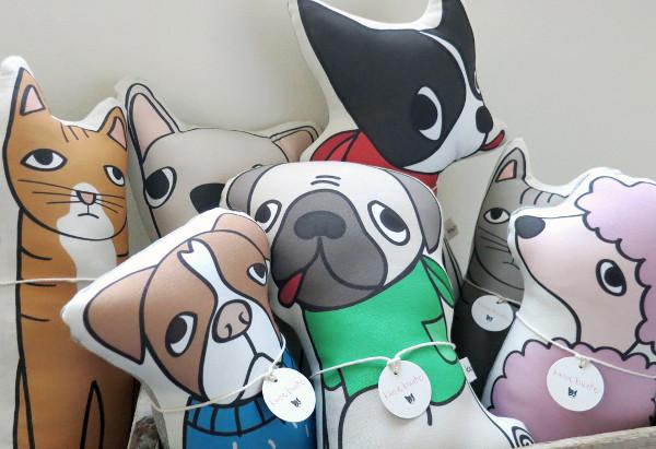 custom_pet_pillow_Kara_Burke_01
