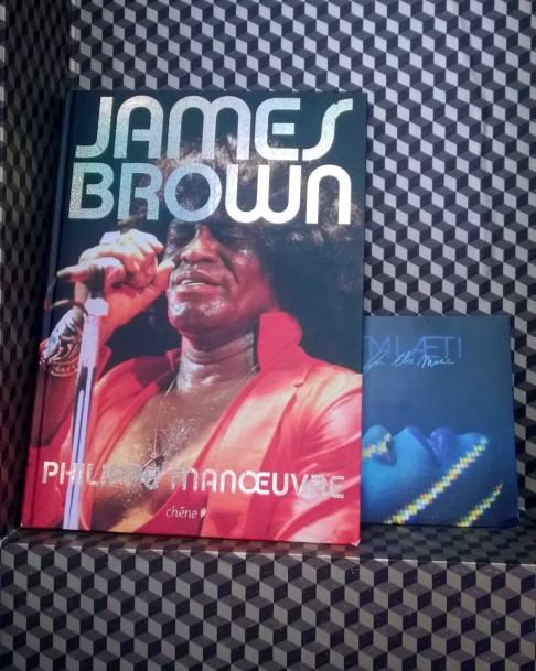 james brown  hôtel idol