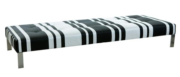 repose-pieds-domino-designers-guild