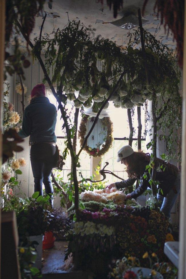flower-house-fleurs-installations-art-1