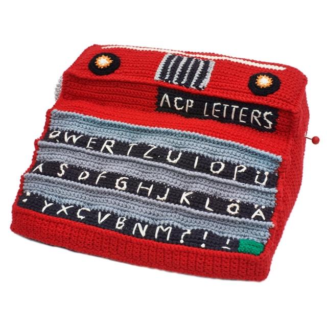 machine-a-ecrire-en-crochet-anne-claire-petit