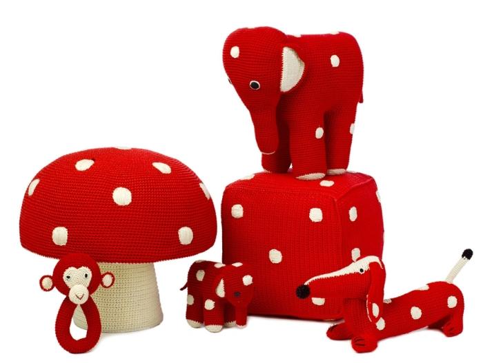 pouf-champignon-en-crochet-anne-claire-petit.