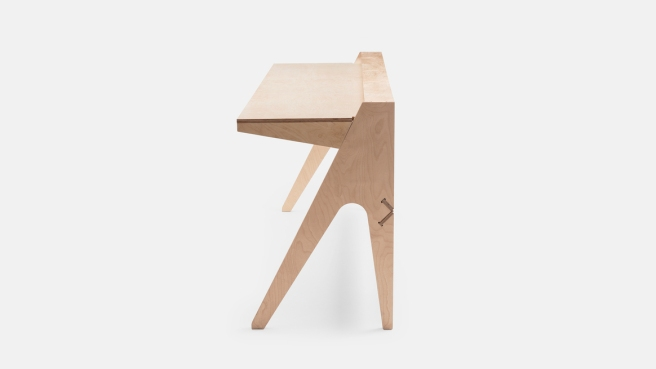 standing-desk_index_side-view_ply_2880x1620.lead