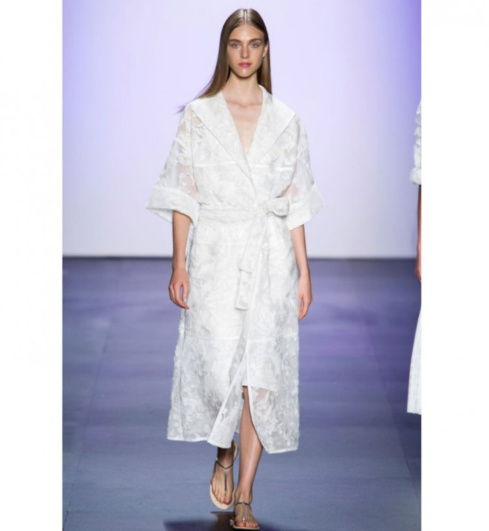 shoji-femme-defile-mode-fashion-week-kimono-robe-de-chambre