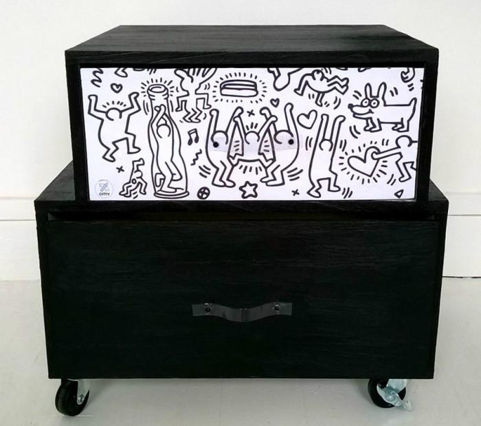 mon petit meuble en hommage keith haring lavieenrouge. Black Bedroom Furniture Sets. Home Design Ideas