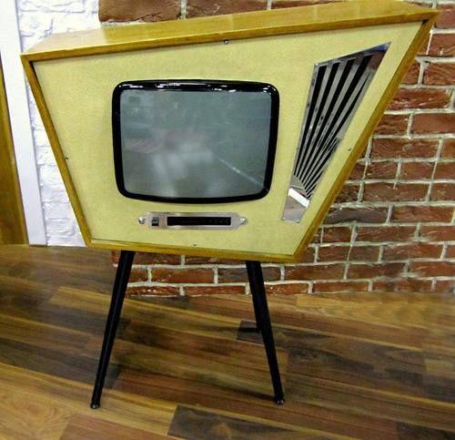 VINTAGE Television
