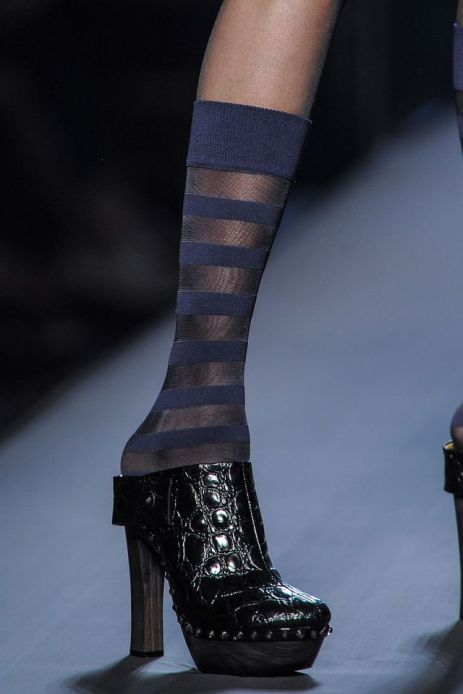 defile-gaultier-haute-couture-chaussures_5378255